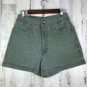 Pants - Nuovo High Waisted Green Shorts Size 11/12